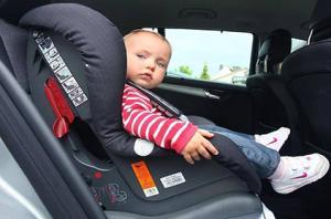 تعرف على نصائح لتأمين الأطفال وحمايتهم داخل السيارة