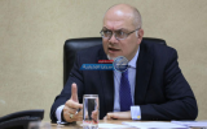 """الحُكم على وزير الأشغال الأسبق """"سامي هلسة"""" بالحبس شهر واحد و تغريمة 500 دينار"""