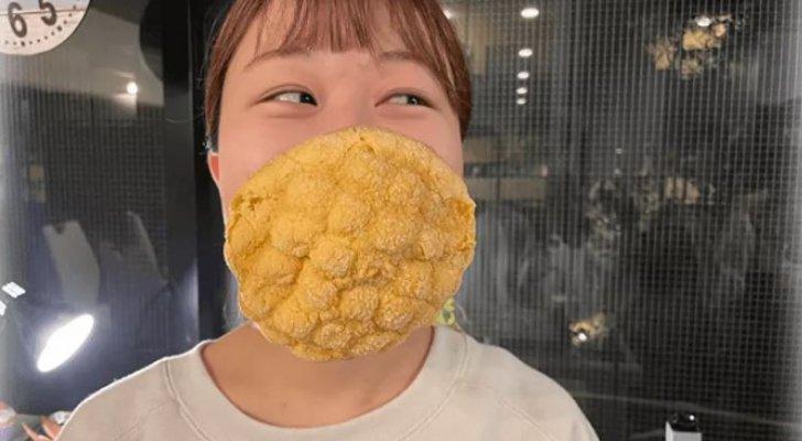 بالفيديو  ..  كورونا يلهم اليابان لصناعة كمامات صالحة للأكل
