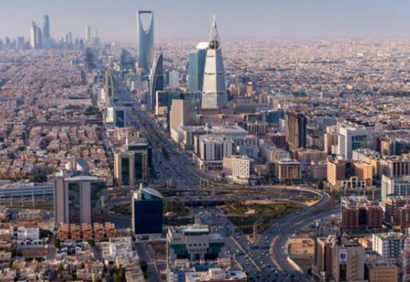 من بينهم الاردنيين  ..  السعودية تفرض رسوماً إضافية على الوافدين