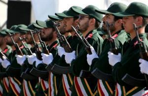 """الحرس الثوري الإيراني يصف ترامب """"بالشرير والمتهور"""""""