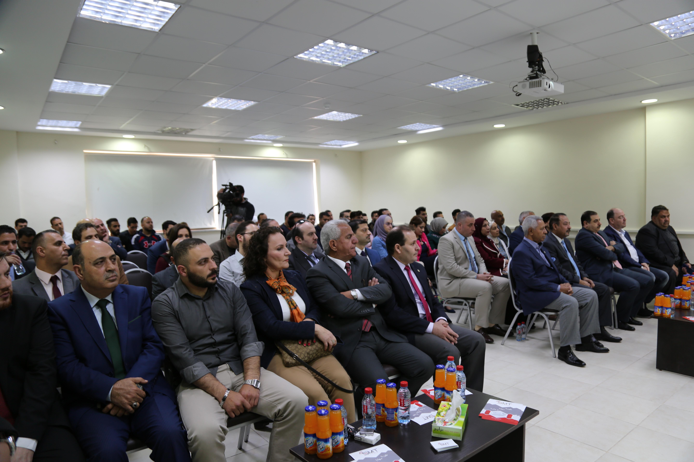 تنفيذ تجربة فنية لنقل الإنترنت عن طريق شبكات الكهرباء  في جامعة الزيتونة الاردنية