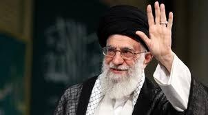 """""""تويتر"""" يحجب حسابات للمرشد الإيراني علي خامنئي"""