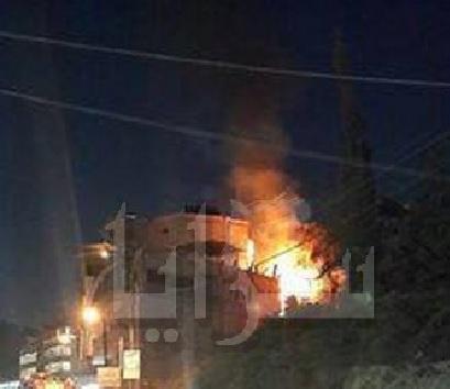 إندلاع حريق بجانب مطعم طلة الفحيص.. صورة