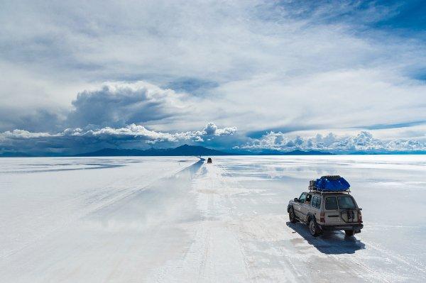 بالصور ..  العرب المسافرون يختارون بوليفيا لرحلة شتوية عائلية