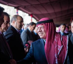 الملك يزور معان  ويلتقى بمجموعة من شخصيات وابناء المحافظة في منزل اللواء الركن المتقاعد عبدالله كريشان