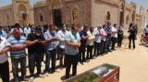 غياب لافت للفنانين خلال جنازة حسن حسني