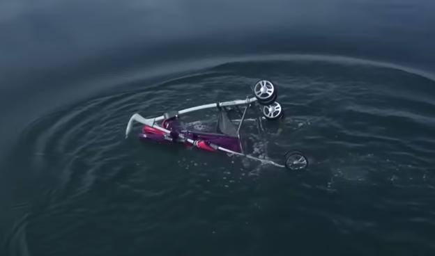 مقلب الغرق في البحر