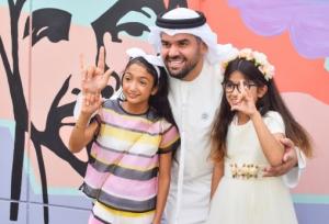 حسين الجسمي يزرع البسمة في وجوه أطفال أصحاب الهمم بدبي