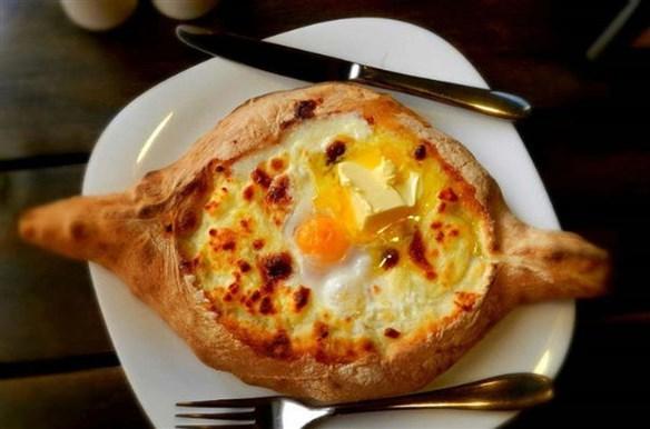 فطيرة البيض بالجبن