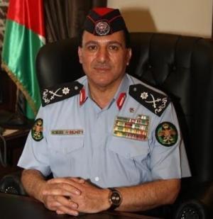 أول قرار لمدير الأمن العام الجديد .. تكريم الشرطية أبو رمان