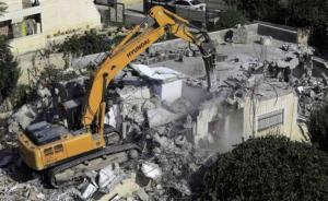 الاحتلال يهدم مصنعا يرعى الأيتام في الخليل