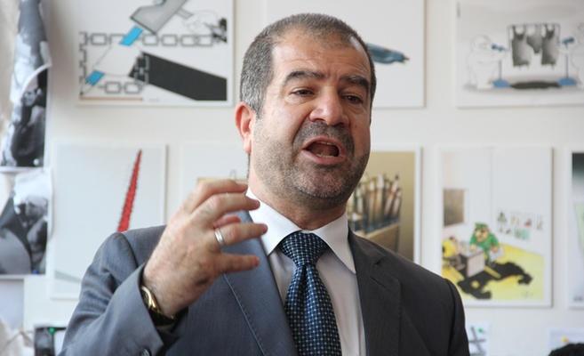 رئيس بلدية الزرقاء يتعرض لالم مفاجئ والاطباء يدخلونه غرفة العمليات ..  صورة