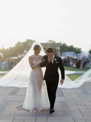 مفاجأة مدوية ..  زواج نيك وبريانكا كذبة؟!