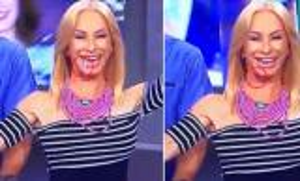 إعلامية تتعرض لصدمة بعد سقوط أسنانها أثناء الحديث والضحك على الهواء.. شاهد