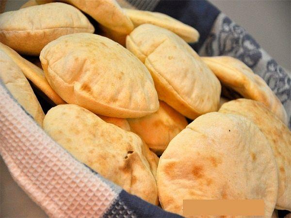 الصناعة والتجارة : اشتروا خبزاً يكفي لـ 3 أيام