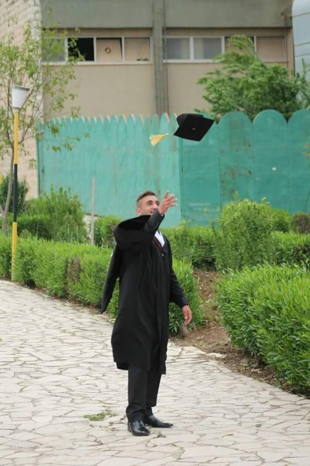 حسين عمايرة مبارك التخرج