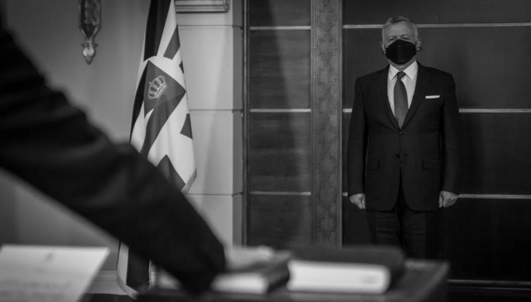 استطلاع: 61% من الأردنيين غير راضين عن التعديل الوزاري على حكومة الخصاونة