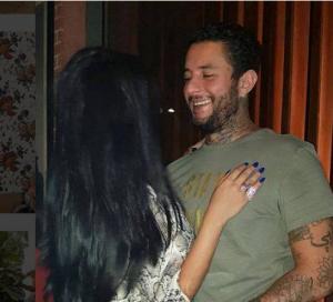 بالصور - زوجة أحمد الفيشاوي تتعرض للانتقادات بسبب تغيّر شكلها الدائم