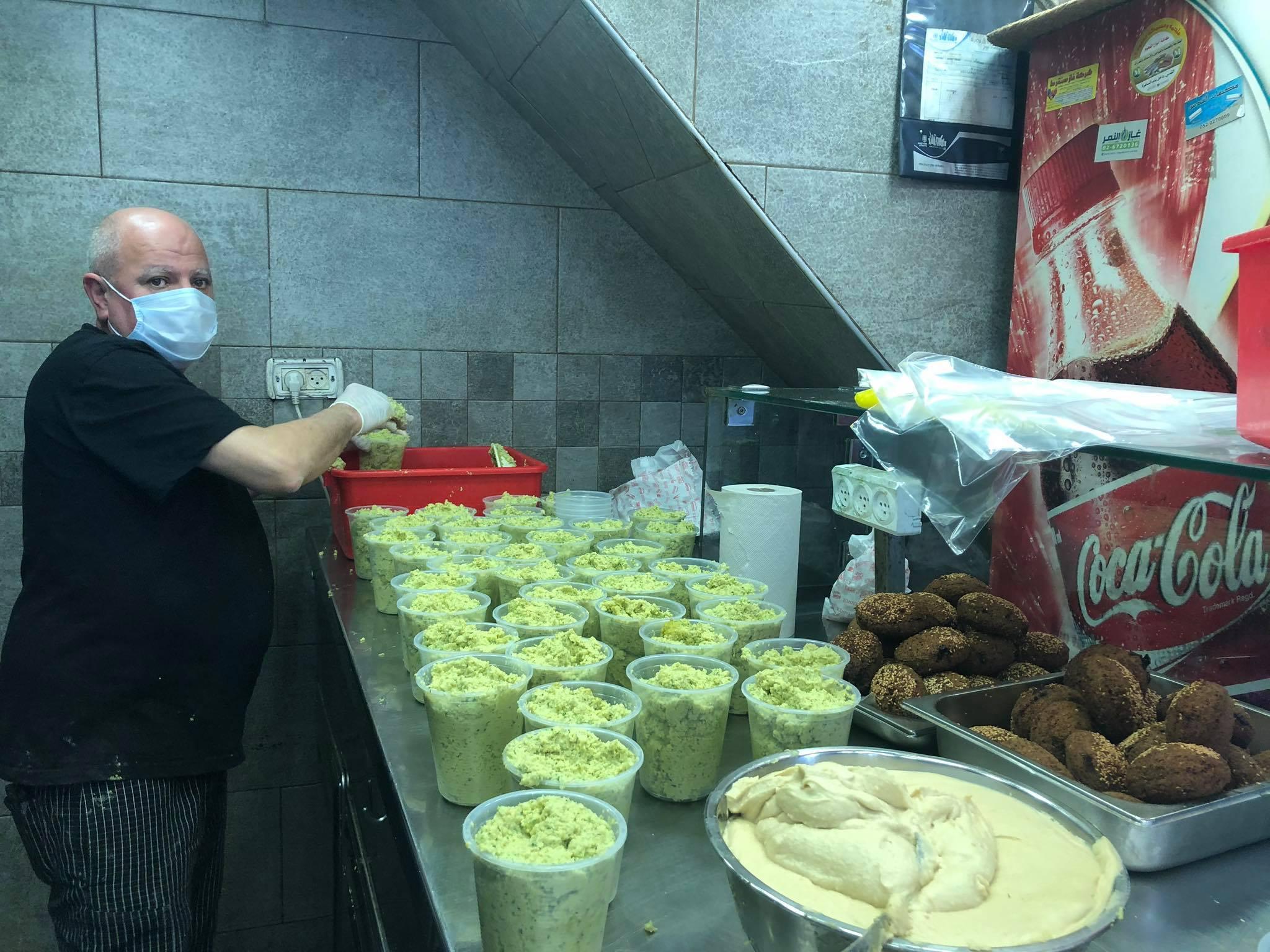 حمادة: قطاع المطاعم والحلويات بدأ بالتعافي بعد استئناف العمل