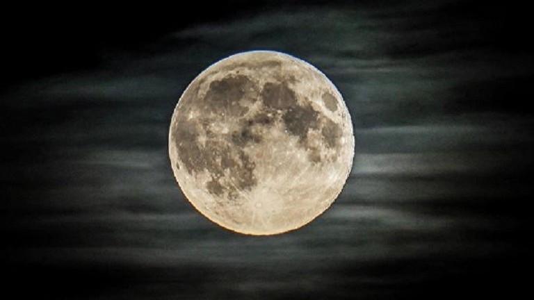 تحضيرات لإرسال بشر إلى القمر