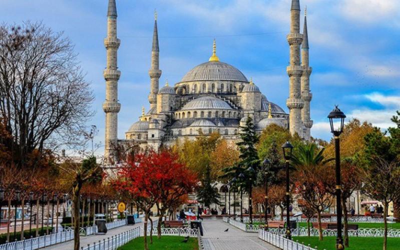 بالصور ..  تعرف على أفضل المواقع السياحية في الشرق الأوسط