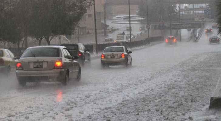 الارصاد: منخفض جوي يؤثر على المملكة الجمعة ..  وتحذيرات من السيول