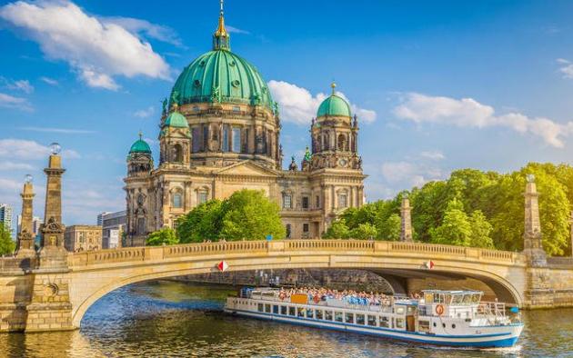 السياحة في المانيا أساسها برلين