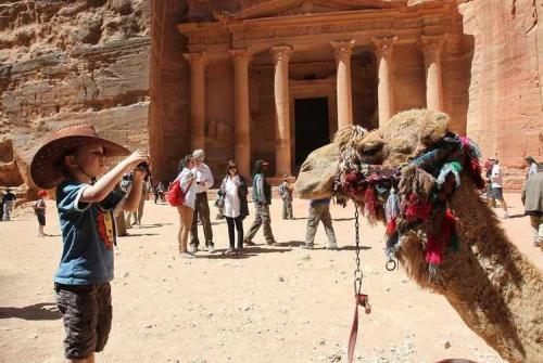 رئيس جمعية الفنادق: خسائر القطاع السياحي تقدر بمليار دينار
