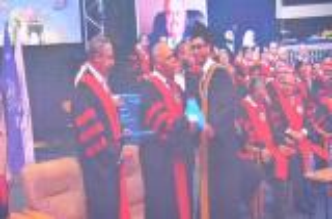 دولة الكباريتي يرعى احتفال جامعة عمان الاهلية بتخريج طلبتها للفصل الدراسي الثاني من الفوج الرابع والعشرين