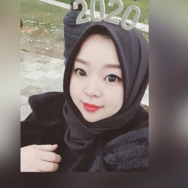مدونة كورية تروى قصة اعتناقها الاسلام وارتداء الحجاب  ..  فيديو