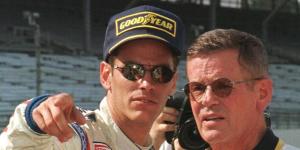 وفاة أسطورة سباق السيارات روبرت وليام أنسر عن 87 عاماً