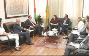 «الأردنية» تبحث التعاون الأكاديمي والثقافي مع وفد من السفارة الأميركية