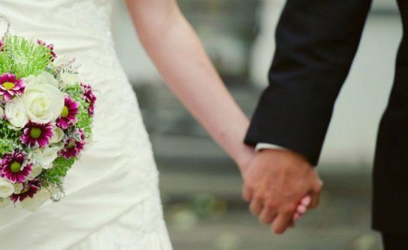 بالتفاصيل ..  حفل زفاف يتحول لمعركة في مصر
