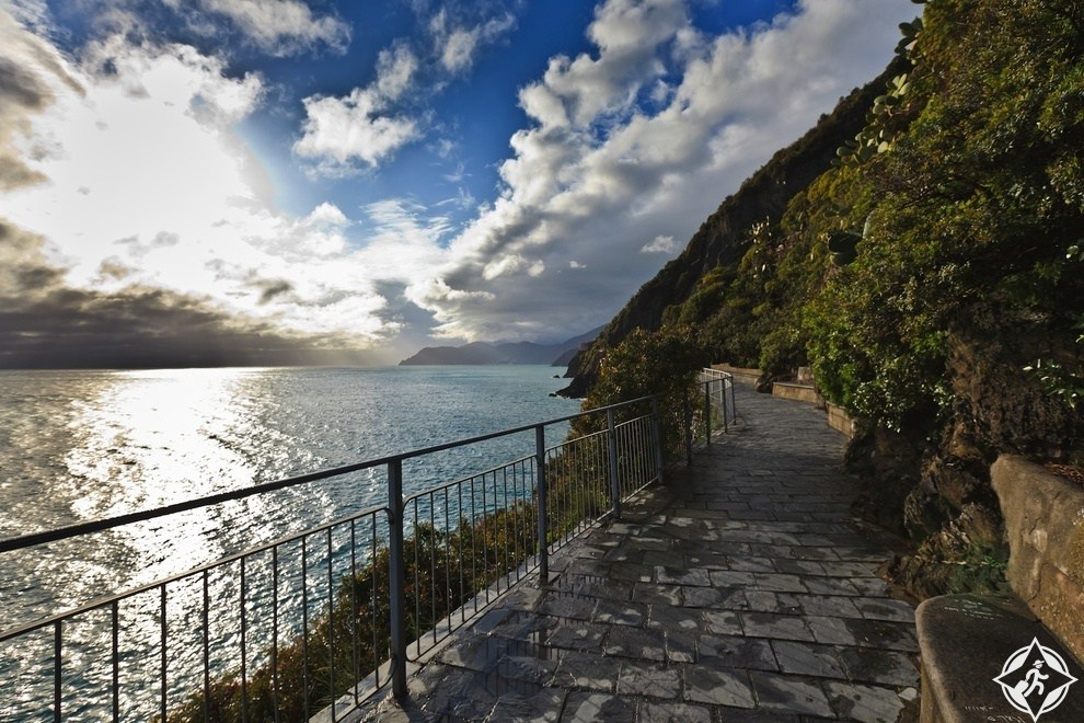 """القرى الخمسة """"سينك تير""""في إيطاليا اجمل وجهة سياحية لهذا العام"""