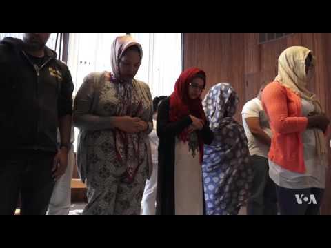 فيديو مثير للجدل ..  امرأة تؤم رجالاً ونساء بمسجد أميركي