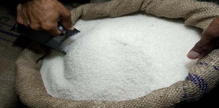 """في مصر  ..  السكر يُباع بـ""""الواسطة """""""