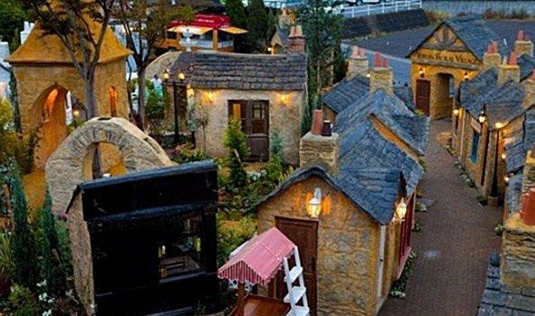 تعرف على القرية التي أصبح الخيال بها حقيقة