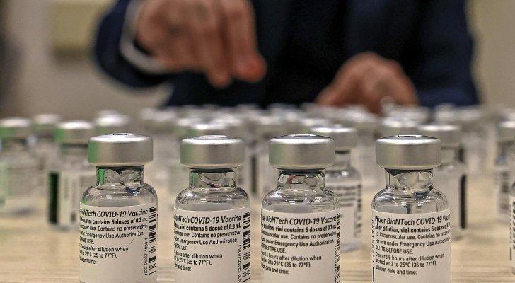 """الصحة لدى الاحتلال الصهيوني : اللقاحات التي استعدناها من السلطة الفلسطينية """"ستُرمى في القمامة"""""""