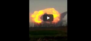 بالفيديو  ..  لحظة انفجار مروّع لمصنع في الصين ..  هزّ الأرض وقتل العشرات