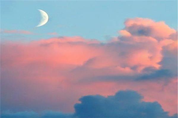خبيرة فلك: القمر الجديد ينبئ بإيجاد حلول رغم الأزمات والإحباط