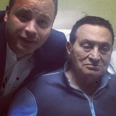 أحدث سيلفي للرئيس المصري الأسبق محمد حسنى مبارك بعيد الفطر