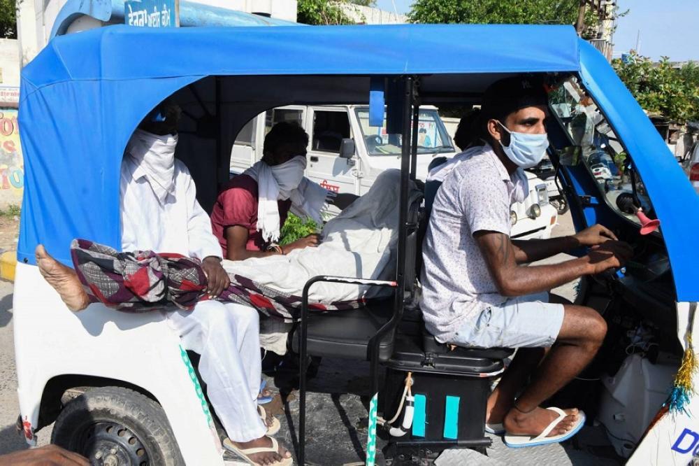 الهند: أكثر من 8 وفيات جراء تناول مشروبات كحولية سامة