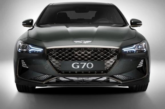 بالصور ..  جينيسيس تكشف رسميًّا عن سيارة G70 2018 بـ3 خيارات من المحركات