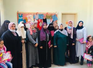 """مبادرة تؤمن اثمان بطاقات انترنت لطالبات محتاجات في مدرسة """"ذات راس"""" الثانوية للبنات"""