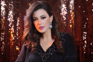 بالصور .. أسماء المنور تحفر اسم نجلها على مجوهراتها