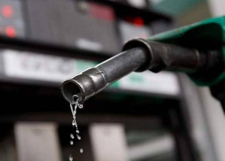 لجنة تسعير المشتقات النفطية تؤكد أن التسعيرة تعكس معدل الأسعار العالمية