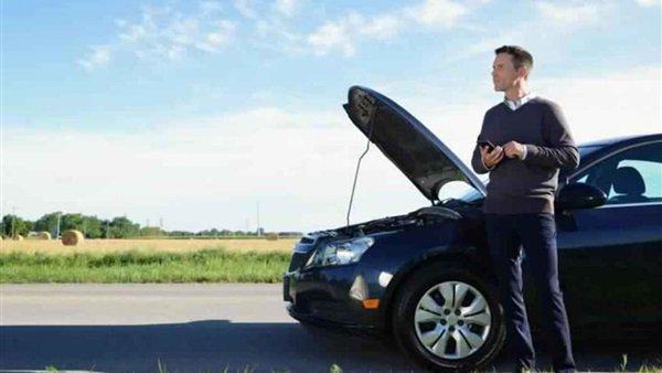 طرق استخدام المساعدة لتشغيل بطارية السيارة الضعيفة
