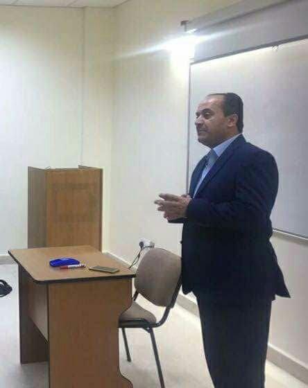 الاعلامي علي حياصات يحاضر في كلية الاعلام في جامعة الشرق الأوسط