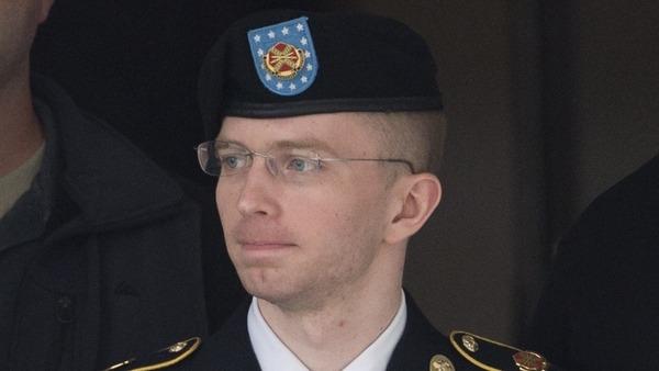 """الجندي الأميركي مسرّب وثائق """"ويكيليكس"""" يعترف: أنا أنثى"""